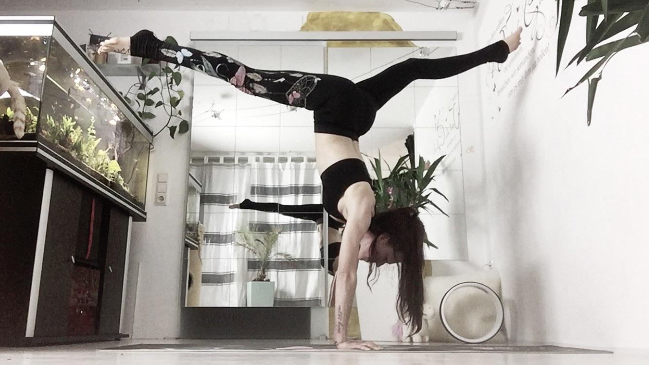 Handstandspecial - 1 Jahr Yoga