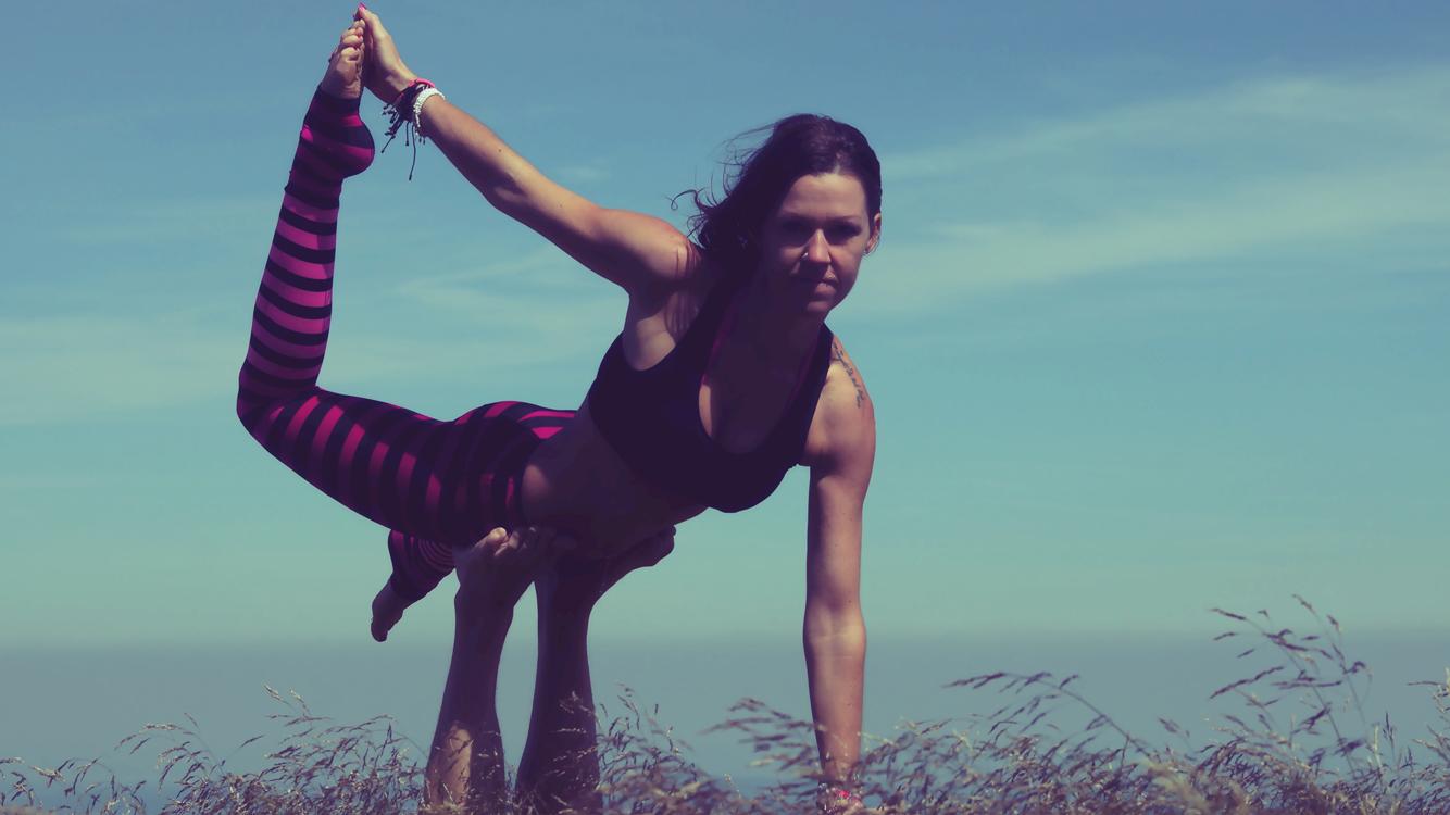 Ich beim Acro Yoga